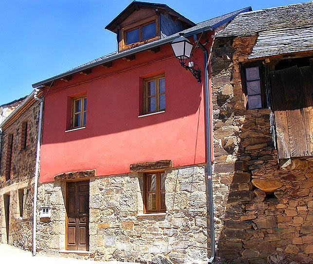 Fachada 3 labaniego rural for Casas modernas rurales